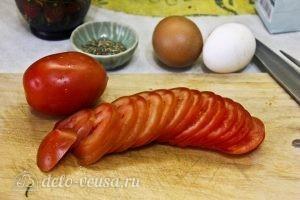 Запеканка из кабачков и баклажанов: Нарезаем помидоры