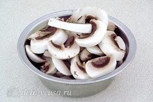 Картофельные зразы с грибами: Грибы нарезать пластинками