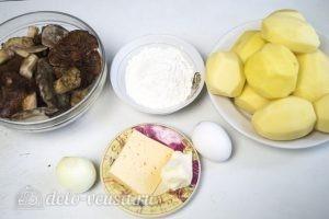 Картофельные зразы с грибами и сыром: Ингредиенты