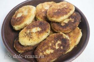Картофельные зразы с грибами и сыром готовы