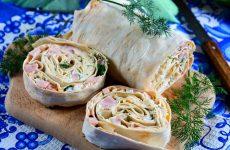 Рулет из лаваша с ветчиной и плавленым сыром
