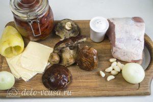 Мясной рулет с грибами и вялеными помидорами: Ингредиенты