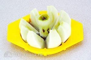 Повидло из яблок и калины: Очистить яблоки
