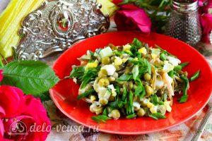 Салат из морской капусты с огурцом готов