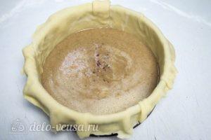 Тыквенный пирог: Начинку вылить в форму с тестом