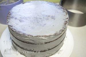 Тыквенный торт с творожным кремом: Промазать кремом торт