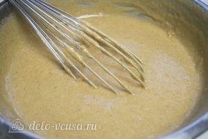 Тыквенный торт с творожным кремом: Перемешать тесто