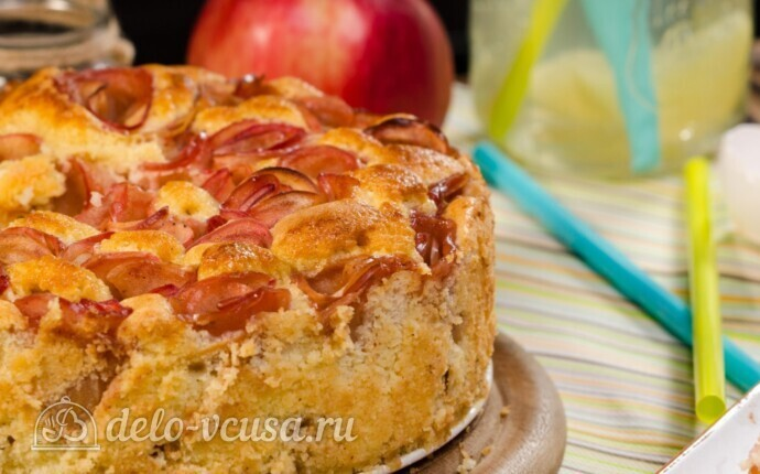 Рецепт шарлотка с розами из яблок
