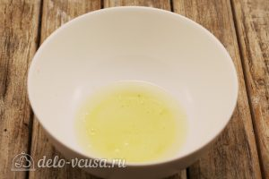 Цветное безе: Отделить белки от желтков