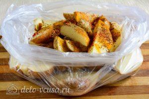 Картошка по-деревенски в духовке: Добавить специи