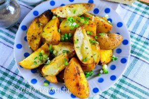 Картошка по-деревенски в духовке готова