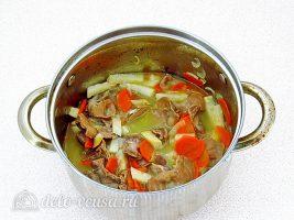 Куриные желудки, тушенные в сметане: Варить овощи с желудками