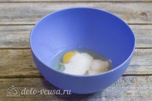Простые блины на кефире: Добавить сахар