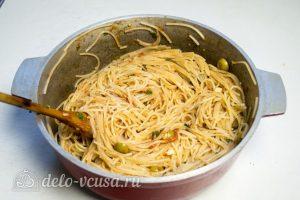 Спагетти Путанеска с помидорами и анчоусами: Отварить пасту