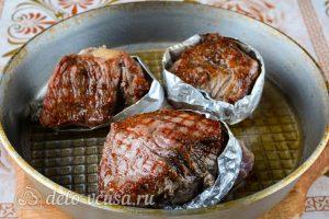 Стейк из говядины на сковороде: Жарить до румяной корочке