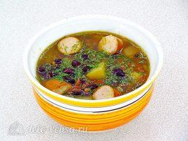 Суп с фасолью и сосисками готов
