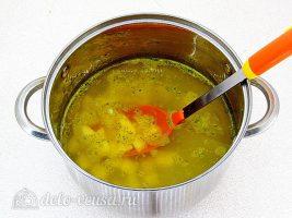 Суп с фасолью и сосисками: Добавить картошку