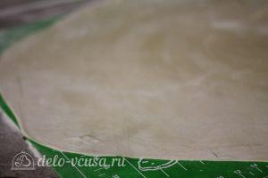Суп с пельменями: Тесто тонко раскатать