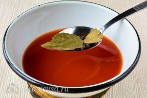 Фасоль в томате на зиму: Добавить специи