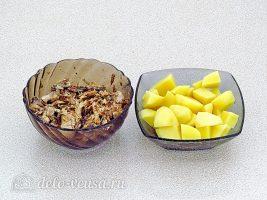 Щи с рыбными консервами: Подготовить картошку и консервы