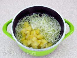 Щи с рыбными консервами: Отварить капусту и картошку