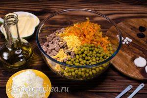 Салат Собачка с печенью: Все ингредиенты соединить