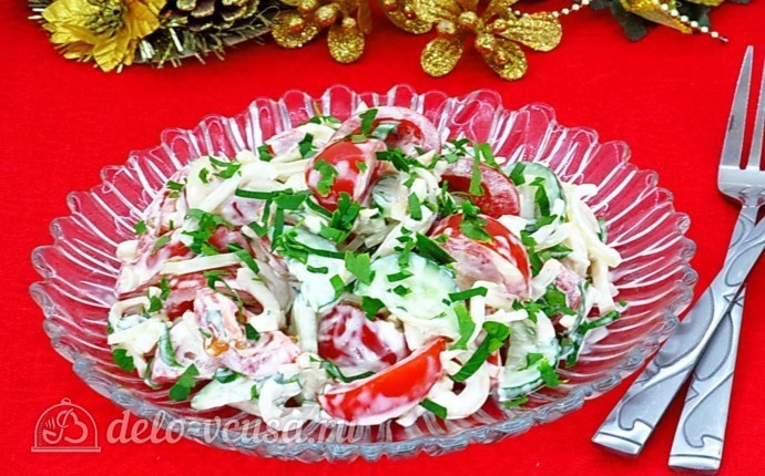 Салат с кальмаром и свежим огурцом