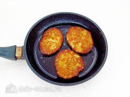 Заварные картофельные оладьи: Обжарить до корочки