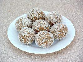 Десертные шарики Казачок: Обвалять шарики в стружке