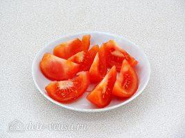 Запеченные консервы с помидорами и сыром: Помидоры порезать