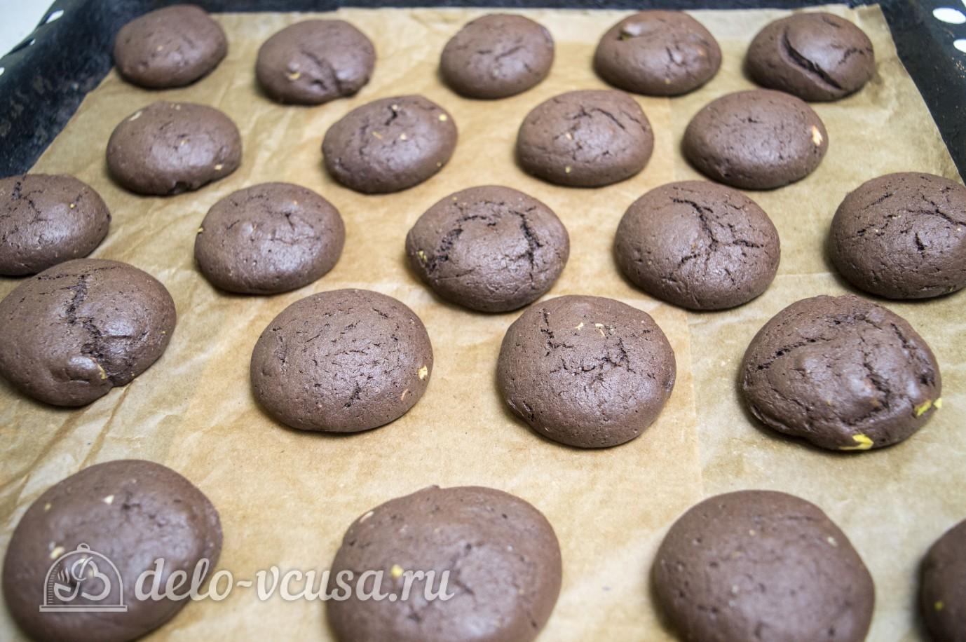 Шоколадное печенье с фисташками: Выпекаем печенье