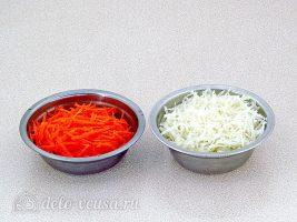 Салат из черной редьки и моркови: Измельчить морковь и редьку