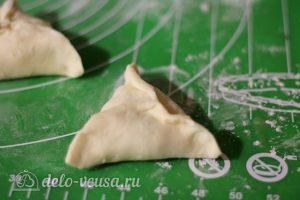 Самса с тыквой: Слепить пирожки