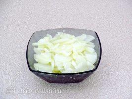 Блинчики с куриными желудками и рисом: Лук порезать