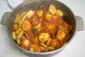 Котлеты тушеные с овощами: Тушим до готовности