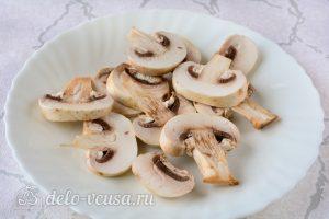 Мясо по-купечески: Порезать грибы