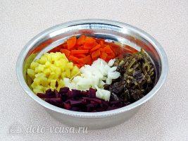 Салат из свеклы и морской капусты: Соединить все ингредиенты