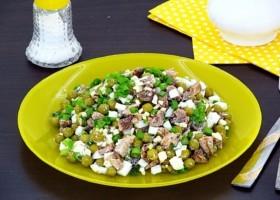 Салат из рыбной консервы с горошком