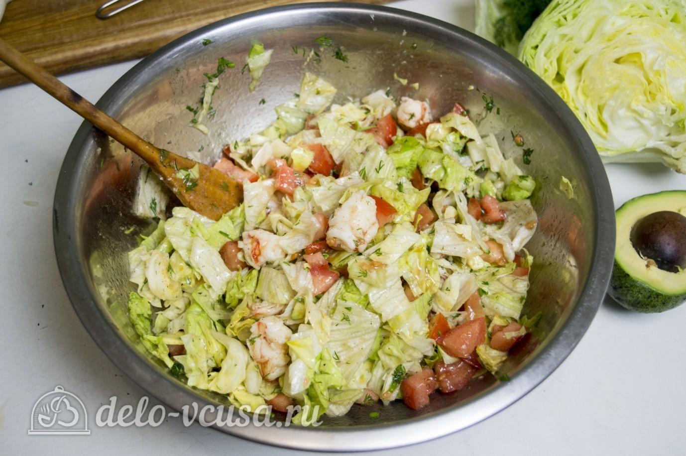 Салат с креветками и авокадо: Все хорошо перемешать