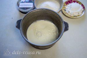 Шоколадная молочная девочка: Довести молоко для кипения