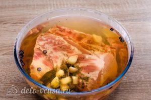 Буженина в духовке: Залить мясо
