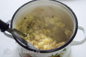 Галушки по-чеченски: Приготовить пюре из картофеля