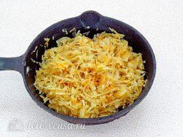Картофельные зразы с квашеной капустой: Капусту обжарить