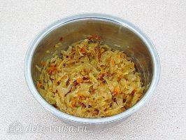Картофельные зразы с квашеной капустой: Перемешать