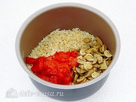 Рис по-милански: Добавить грибы и помидоры