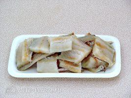 Рыба запеченная с капустой: Подготовить рыбу