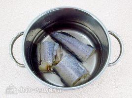Салат с вареной рыбой и капустой: Отварить рыбу