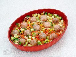 Фрикадельки в духовке с кабачками: Залить все заправкой