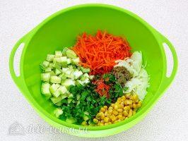 Фрикадельки в духовке с кабачками: Овощи соединить