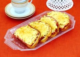 Горячие бутерброды с ананасом